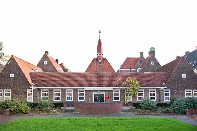 Ouder- en Kindteam Oud West & De Baarsjes, Magalheansplein 2